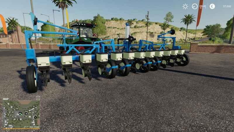 kinze-3600-12-row-planter-1-0_1